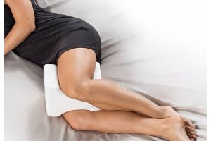 almohada para piernas embarazada